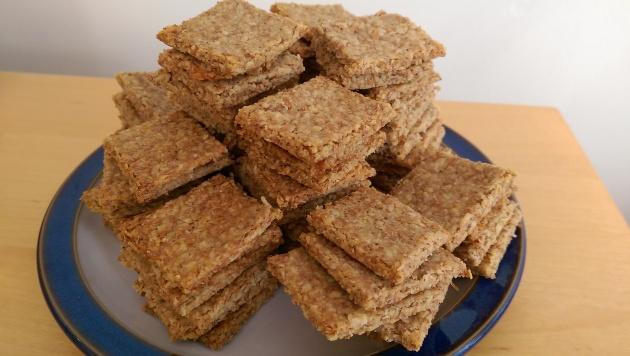 Cheddar oatcakes